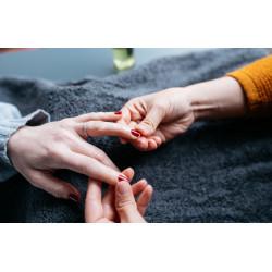 Soin complet des mains + vernis semi-permanent à A Casa Fit