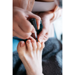 Soin complet des pieds + vernis semi-permanent à A Casa Fit